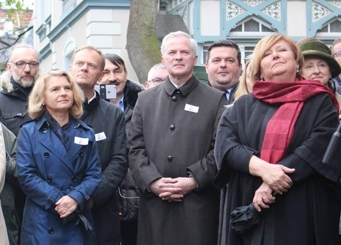 Uroczyste Odsłonięcie Tablicy Upamiętniającej prof. Władysława Bartoszewskiego w Sopocie